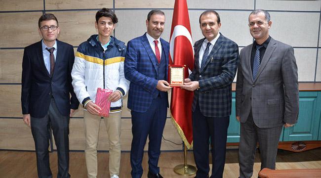 Bozovalı öğrenci Türkiye üçüncüsü oldu