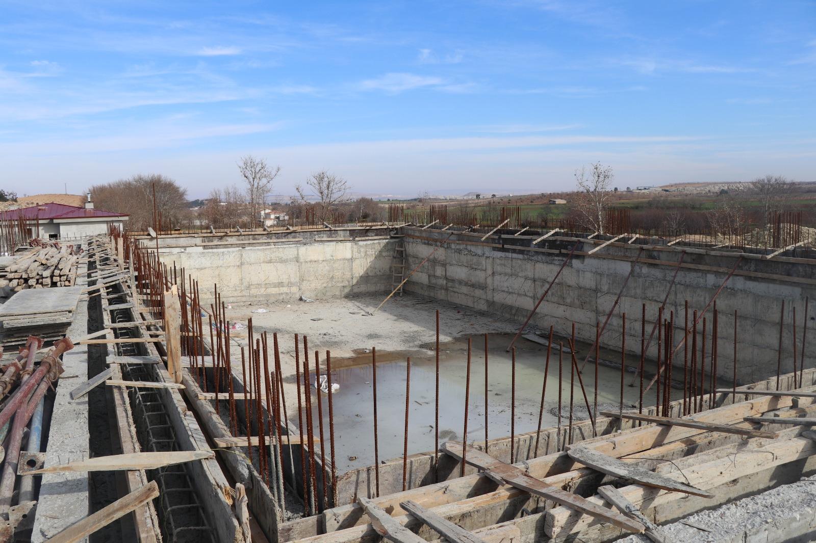 Yarı olimpik yüzme havuzu inşaatı hızla devam ediyor